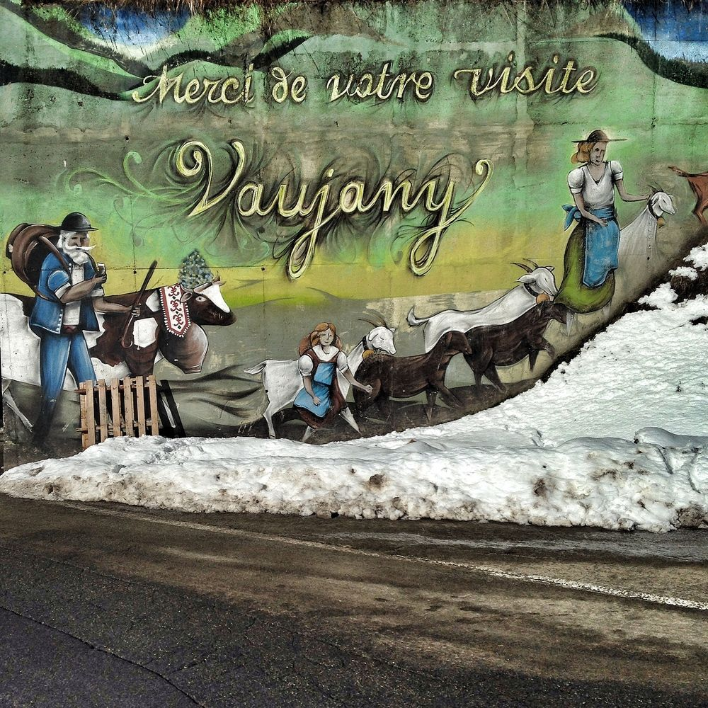 Painting on entering Vaujany