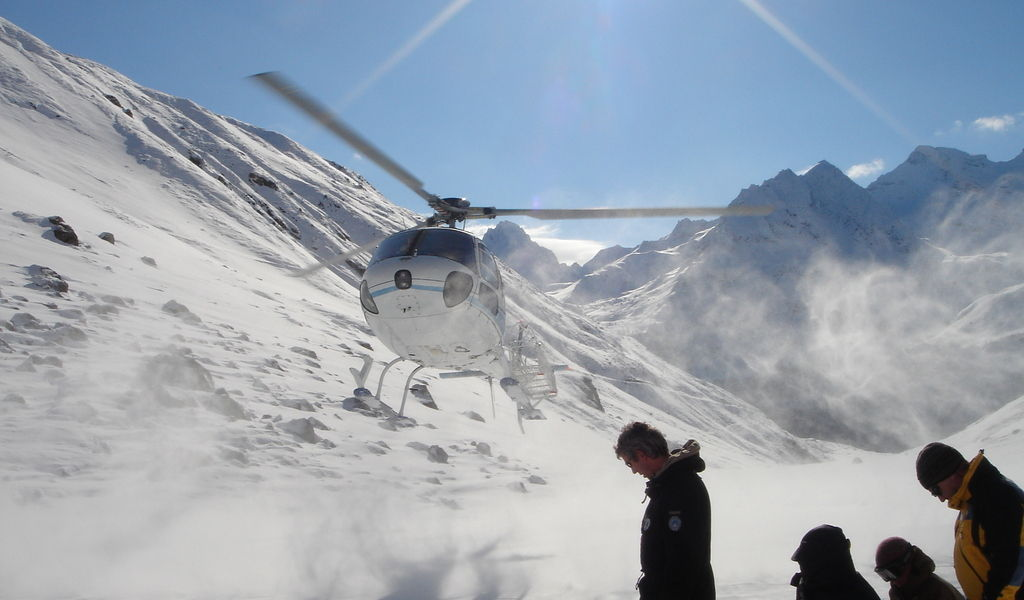 Helicopter landing in snow