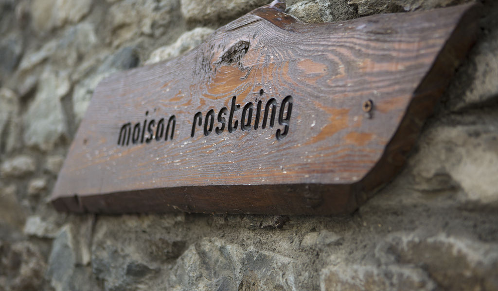 Maison Rostaing sign
